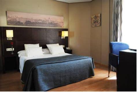 habitacion insonorizada hotel ganivet barat 237 simo