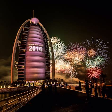 new year in dubai 2016 dubai fireworks 2016 pictures and