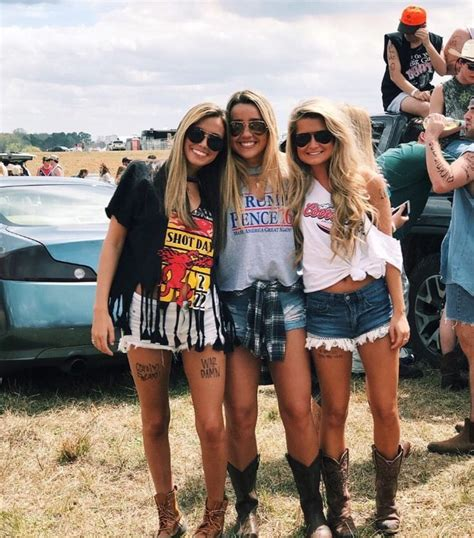 country concert style best 25 country concerts ideas on country