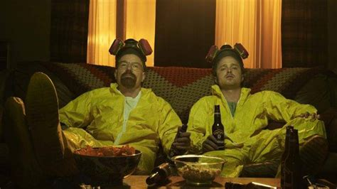 watch breaking bad online couch breaking bad walter white couch beer aaron paul bryan