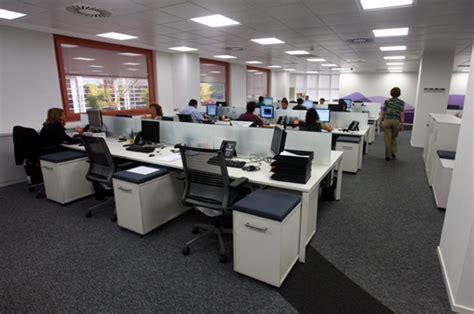 liberty seguros oficinas steelcase equipa las oficinas de las sedes corporativas