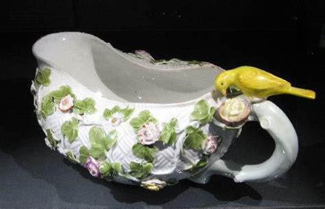 curieux comme un pot de chambre le bourdaloue ou bourdalou est un pot de chambre ou