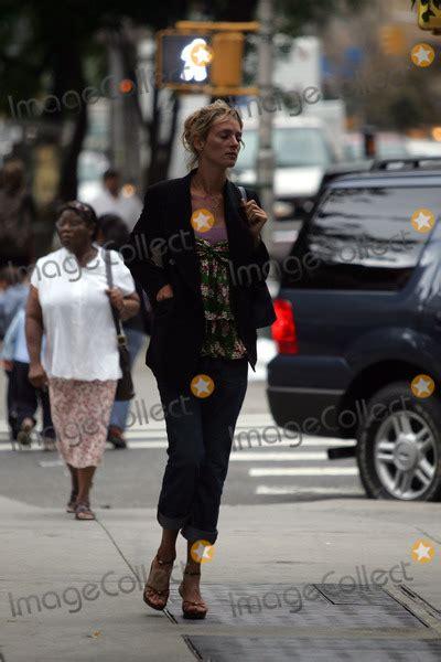 Uma Thurman Breaks Wrist On Set by Photos And Pictures Uma Thurman Walked Casually