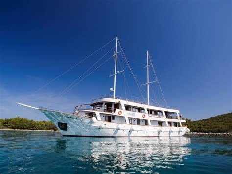 small boat cruise croatia croatia small ship