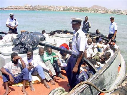 rfi escale forc 233 e pour des clandestins africains