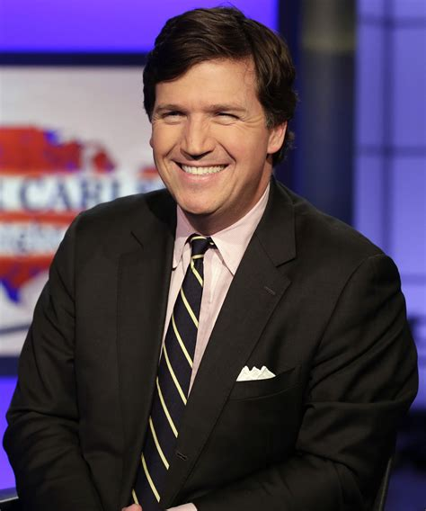 is tucker carlsons hair real tucker carlson hair real is tucker carlson s hair real