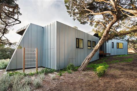 ande bunbury builds  tardis  beach house  coastal australia