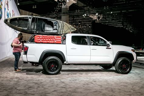Toyota Trd Auto Showdown 2017 Chevrolet Colorado Zr2 Vs 2017 Toyota