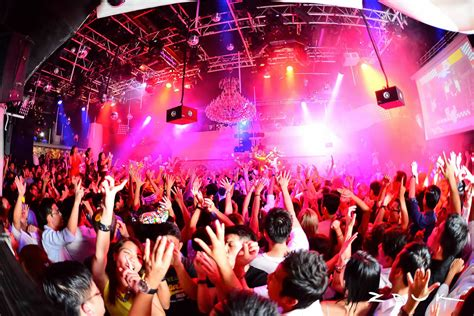 bar top dancing singapore 10 best nightlife experiences in singapore best things
