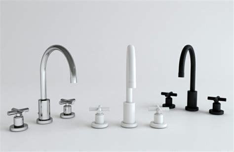 grifos de colores grifos de cocina y accesorios de ba 241 o en negro 50 ideas