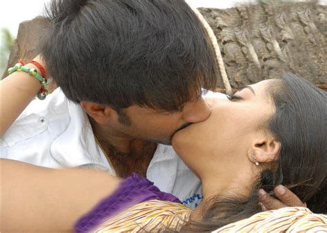 kiss biography movie actress anushka hot pics scenes anushka shetty and