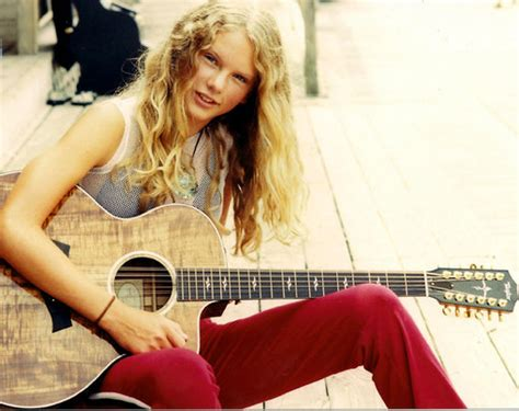 facts about taylor swift early life taylor swift childhood 13 years old taylor swift with
