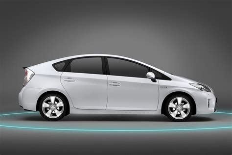 toyota prius facelifted 2012 toyota prius quietly makes world premiere