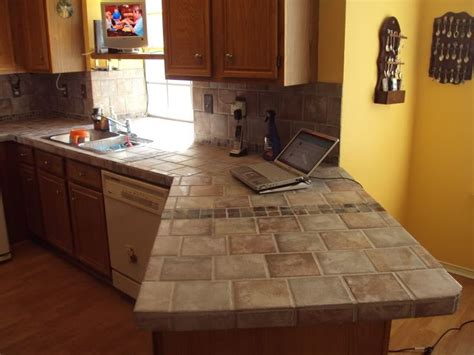kitchen countertop tile design ideas 25 best ideas about tile kitchen countertops on