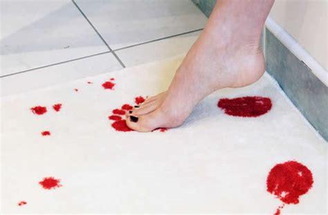 cuisine pourrie le tapis de bain ensanglant 233 id 233 e cadeau pourrie