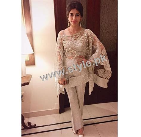 dressing sense top 5 pakistani celebrities who have good dressing sense