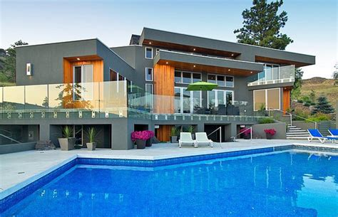 modern home design kelowna gallery perched above kelowna b c 1 945m