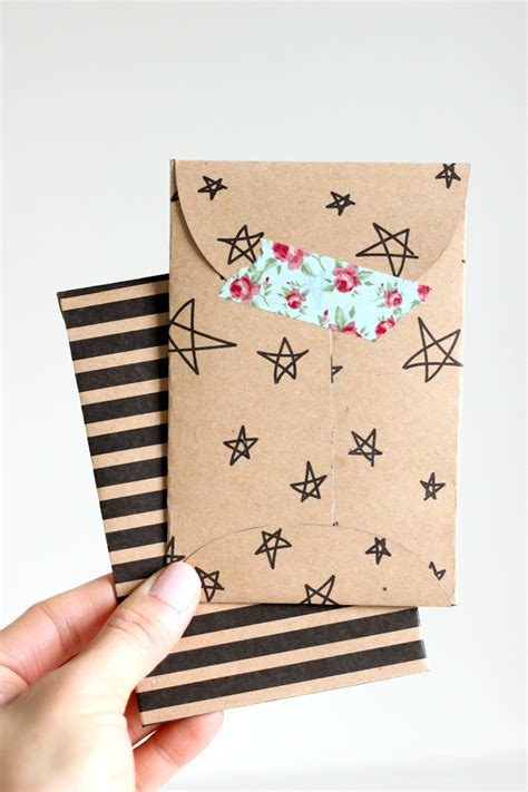 Envelopes For Gift Cards - kraft paper gift card envelope free printable delia creates let s wrap stuff