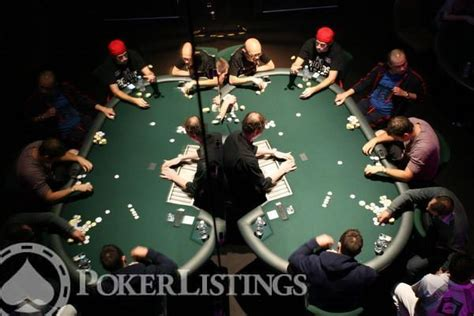 host  perfect poker home game  set