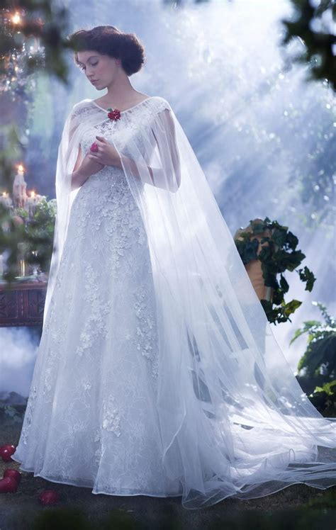 Snow Dress 25 best ideas about snow white wedding dress on