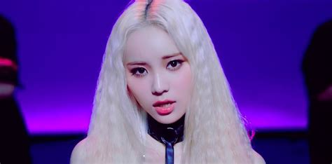 Letter Jinsoul Lyrics Introduces Member Jinsoul Through Quot Singing In The Quot Mv Soompi