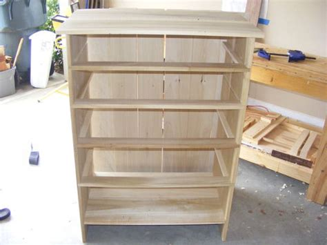 chest of drawers 1 carcase construction is by