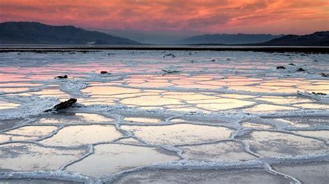 """Sfondo """"Lago Parzialmente Ghiacciato""""   1920 x 1080"""