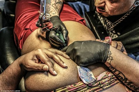 stomach tattoo pain photographer burlock lawver shows what it s like to