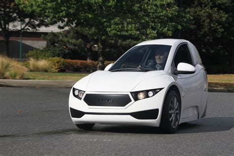 electra meccanica solo  wheeled electric car unveiled