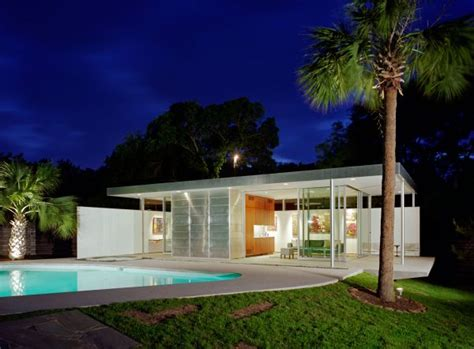 modern pool house 7 stunning pool houses