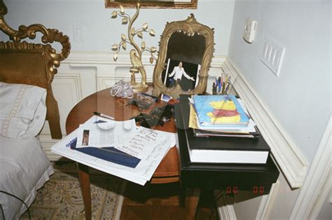 michael jackson themed bedroom michael jackson s chaotic bedroom in unseen photos page