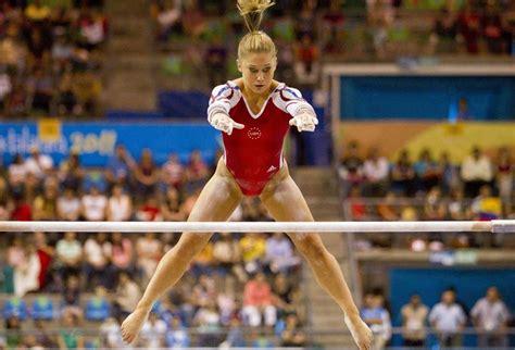 shawn johnson gymnastics wardrobe malfunctions shawn johnson s wardrobe malfunction on the exercise floor