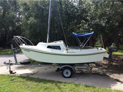 15 Foot Sailboat With Cabin by 2001 West Wight Potter 15 Ft Sailboat Sailboat For Sale In
