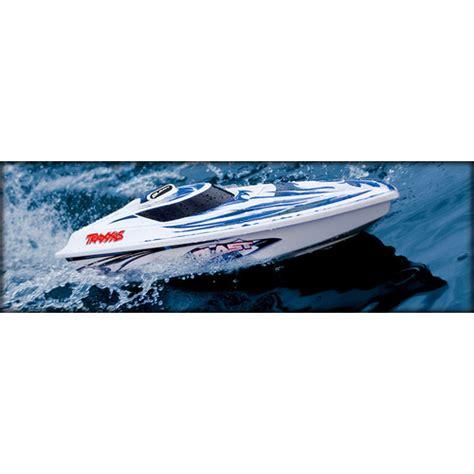 traxxas speed boat traxxas blast speed boat 2 4ghz
