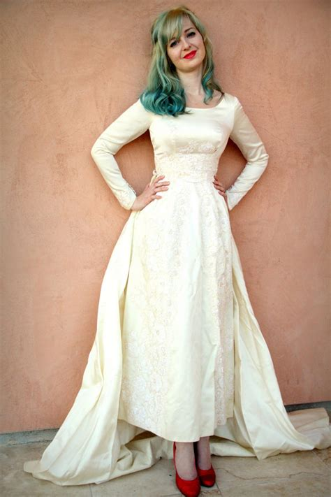 Vintage Satin Wedding Dresses by 7 Beautiful Vintage Wedding Dresses