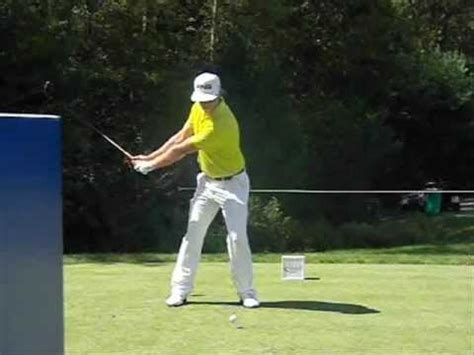 hunter mahan golf swing hunter mahan golf swing with analysis by shawn hester