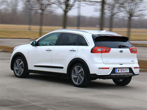kia niro 1 6 gdi hybrid platin testbericht autoguru at