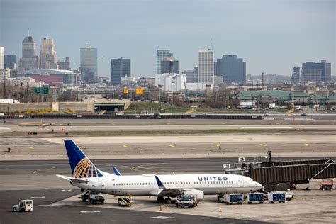 united airlines newark airport reopened after engine fortune