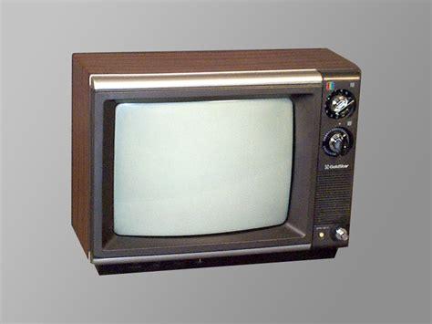 Tv Goldstar Goldstar Cmr4200 13 171 Inter Production Equipment Rentals