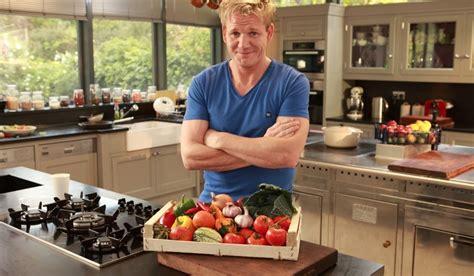 cucina con ramsay libro gordon ramsey e la cucina casalinga vanityfair it