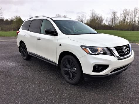 nissan pathfinder midnight edition nissan pathfinder midnight edition 2017 essais routiers