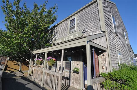 island kitchen nantucket island kitchen fabulous cuisine in a casual caf 233