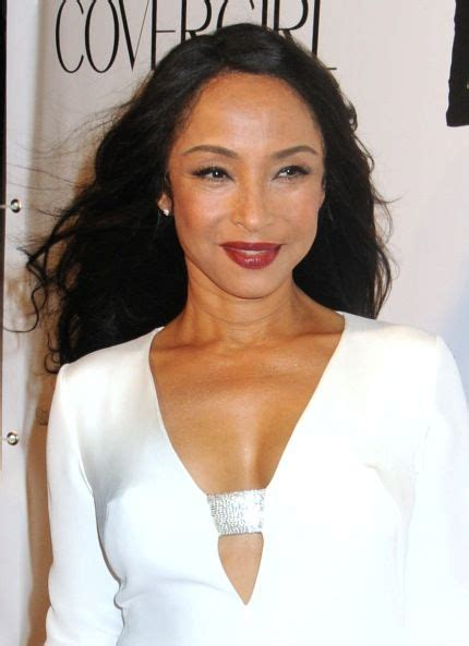 sade adu cornrows hairstyle a recent picture of sade she looks great jazz