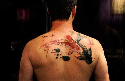 tattoo de pez koi en las costillas 191 cu 225 l es el significado del tatuaje del pez koi seg 250 n su