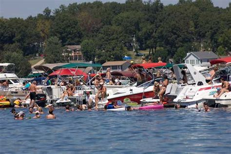 used boat parts lake of the ozarks desert storm and lake of the ozarks shootout two sure
