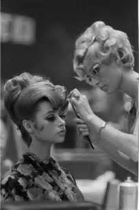 1960 s inspiration retro hairstyles make up