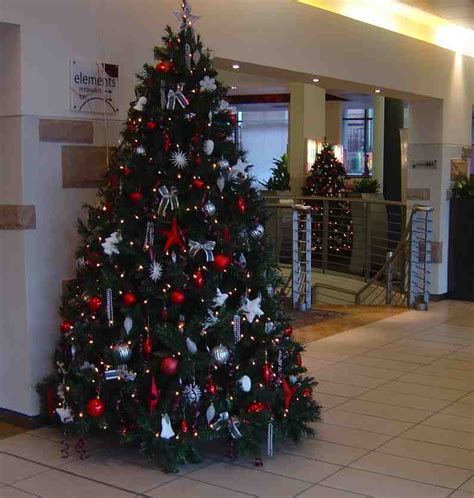 skyline office design xmas tree hire