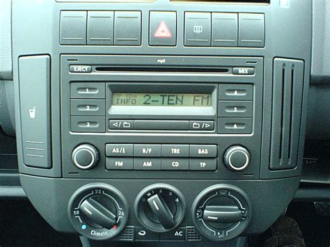 removal and specs of vw rcd200 stereo interior and in