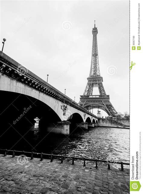 imagenes a blanco y negro de la torre eiffel foto blanco y negro del puente de la torre eiffel y de
