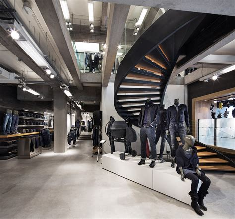 stories  star opened flagship  shanghai